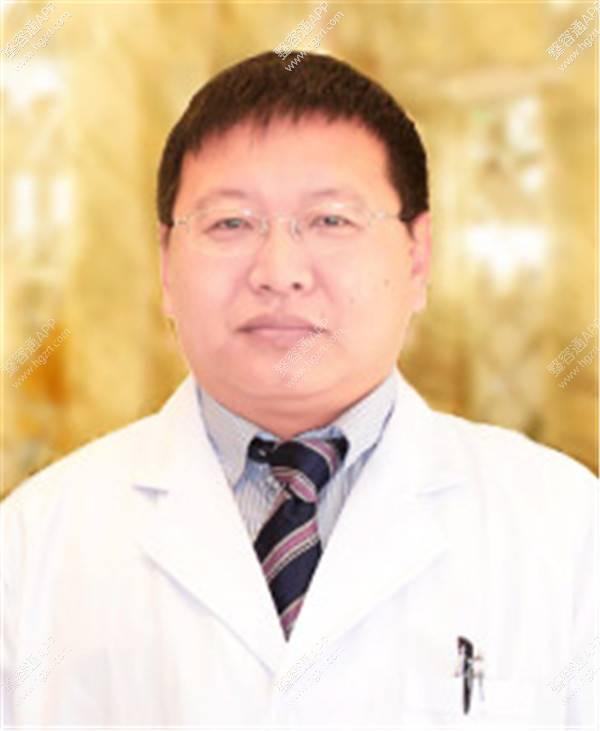 曹宝济院长擅长项目:不开刀去眼袋、曹_广州健丽医疗美容