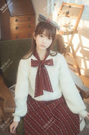 她热衷日本文化、游戏、动漫、幻想