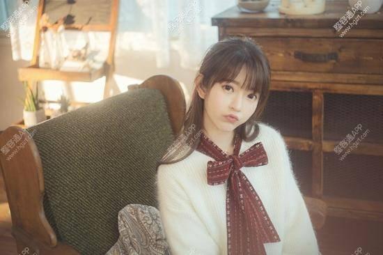 韩国第一美少女嘟嘴卖萌,有没有整容呢?_业内动态_时尚八卦_整容通app