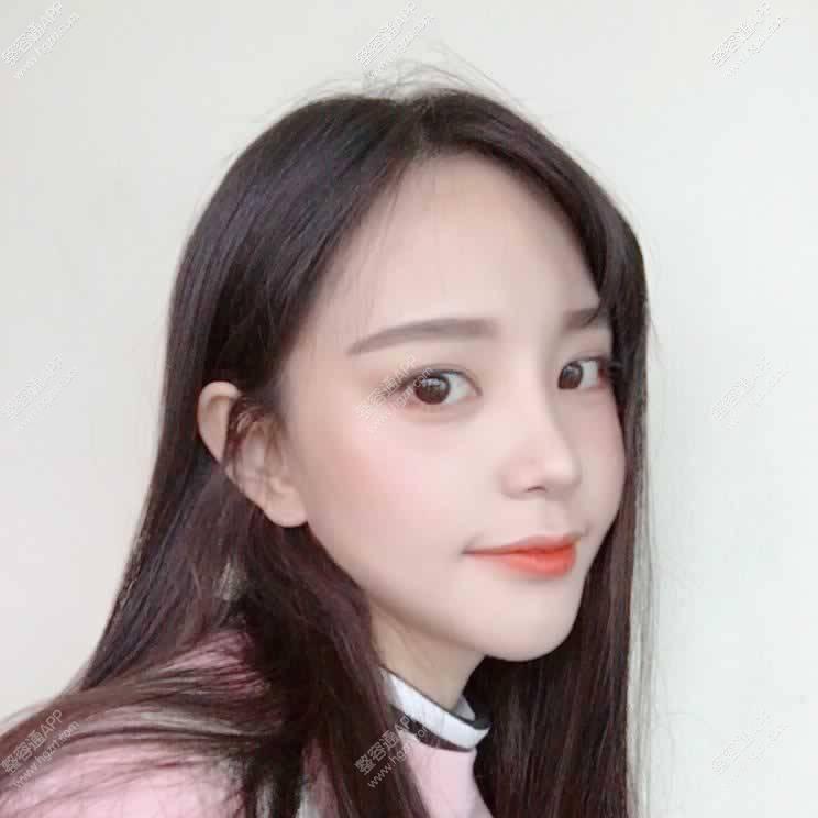 闺蜜手术的前一天去了韩国的爱宝乐园~废话不说了~给亲们上照片了哦~